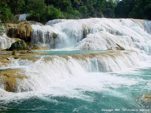 cascades-agua-azul[1].jpg