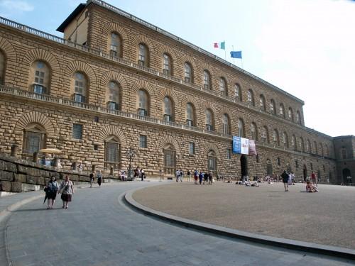 Florence-PalaisPitti[1].jpg
