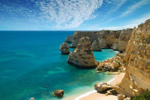 Portuguese_beach_Algarve.jpg portimao.jpg